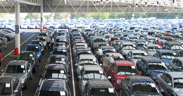 Auction Houses Report Greater Demand For Petrol Cars