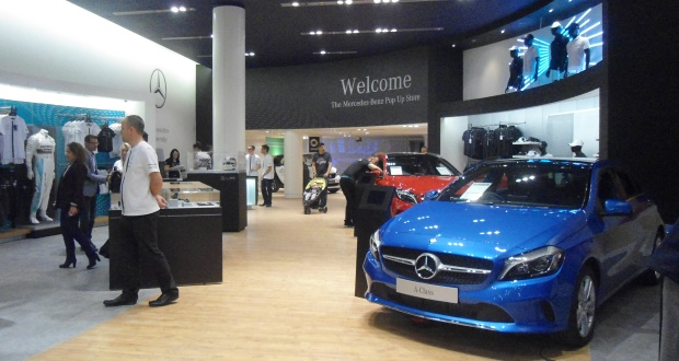 Mercedes benz opens pop up store in reading shopping centre for Mercedes benz usa factory