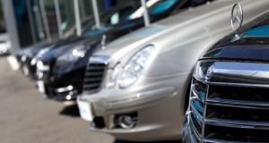 Mercedes_Benz_forecourt_620