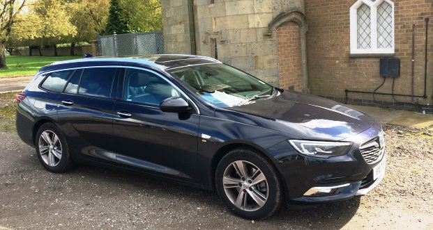Vauxhall Insignia Sports Tourer 2017 Review Month 2