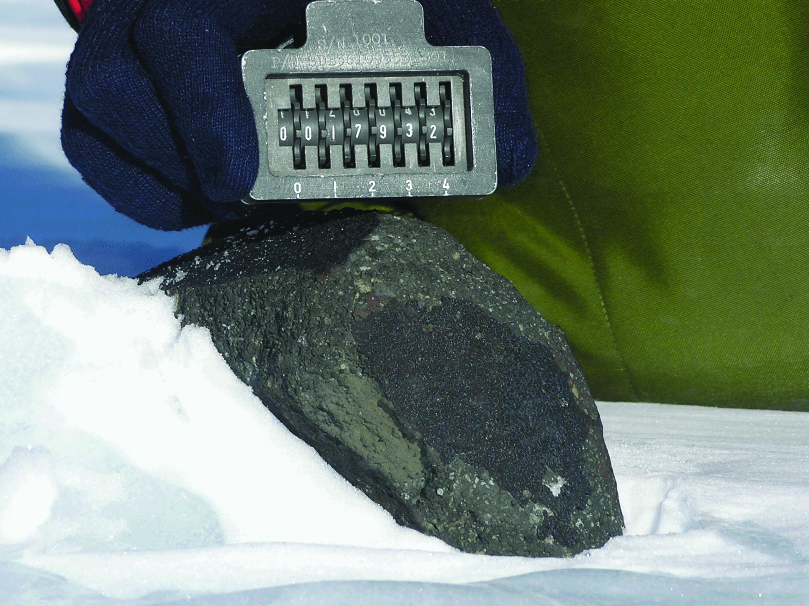 625364main_FTT_meteorite_17932