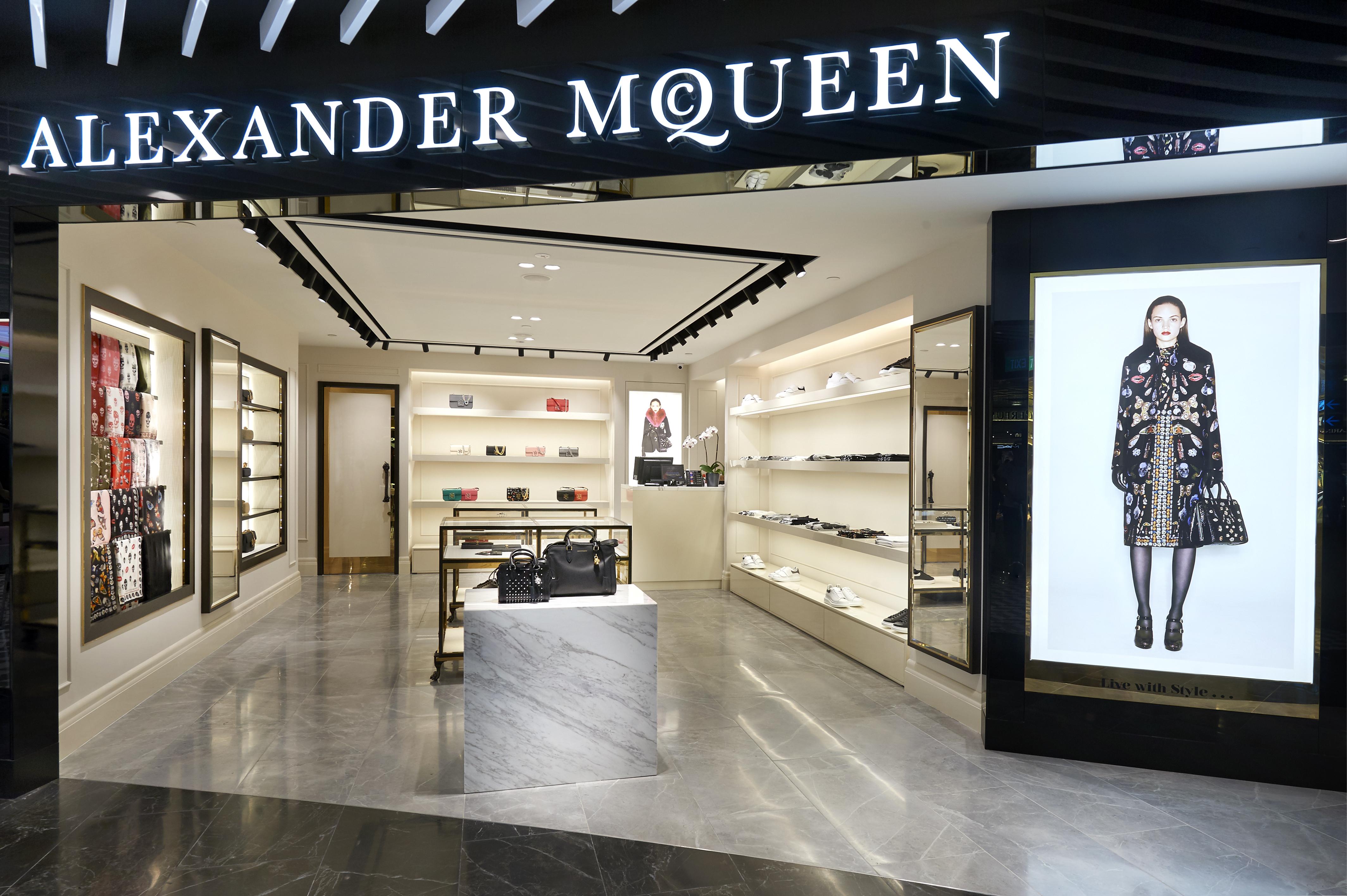 Lagard re reinvigorates the fashion gallery concept at changi for Luxury boutique