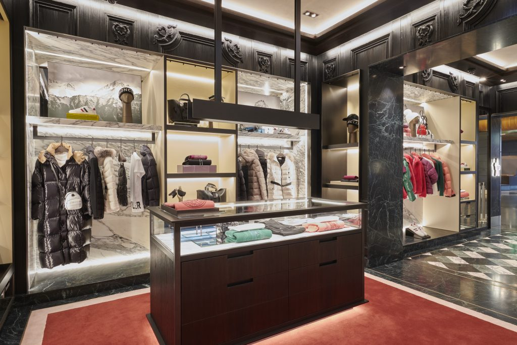 factory authentic 07b9f 06653 Moncler launches first travel store at Zurich Airport