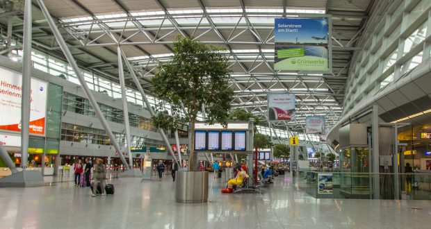 Düsseldorf Airport reveals three electronic stores by Move